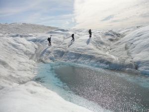 The team by one of many dramatic and picturesque cryoponds (M Sweet)