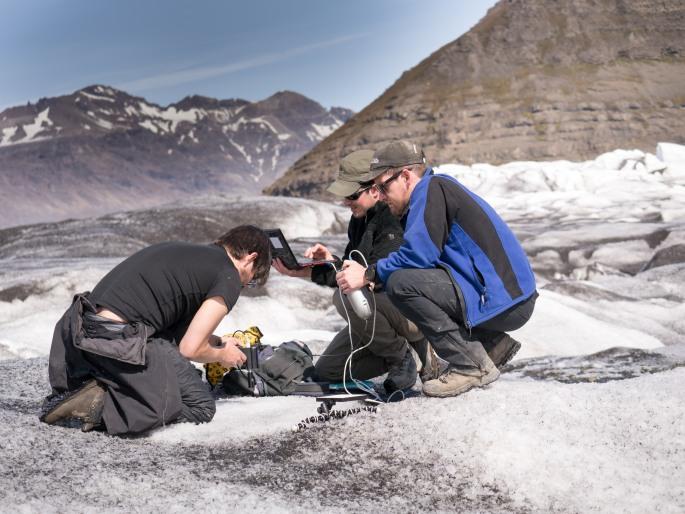 Glacier spectroscopy